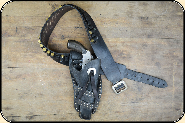 Mexican loop holster