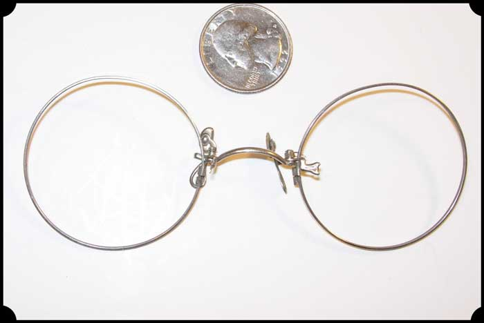Old Time Glasses Pinch Nose Style
