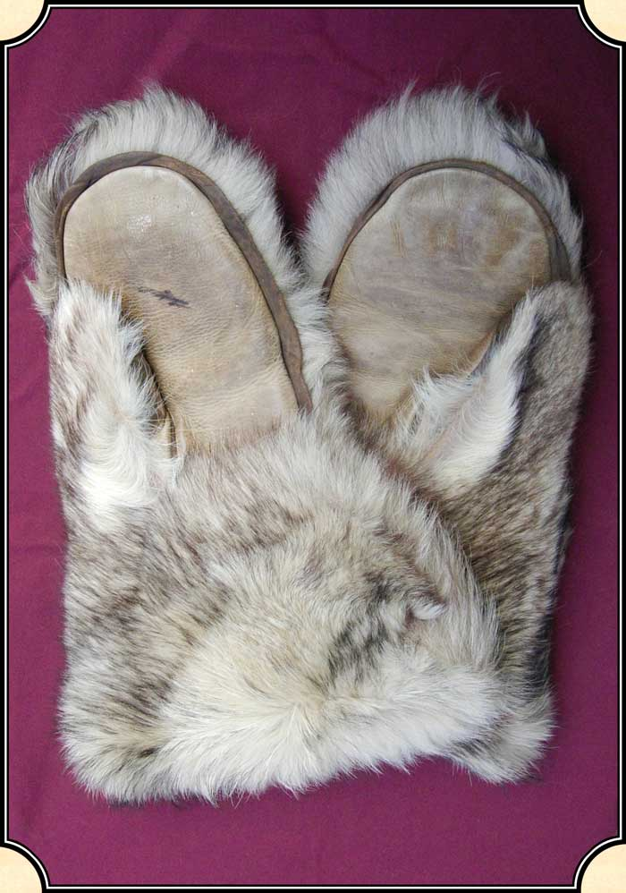 Wolf Fur Coat >> Alaskan Wolf hide mittens