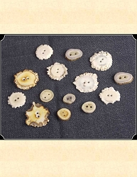Buttons ~ Vintage Antler Buttons 3/4 in to 1 1/2 in