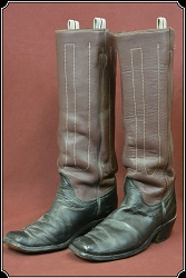 z Sold Size 10 1/2 Custom Made J.R. Reyes Cowboy Boots