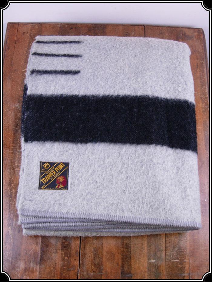 Z Sold Trapper Point Blanket