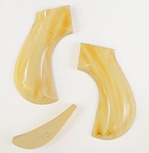 Grips ~ Cimarron Lightning - Plain ivory anitque grip RJT#4179