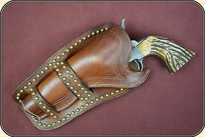 Cheyenne Holster with brass spots for 4 3/4 - 5 1/2 inch barrel