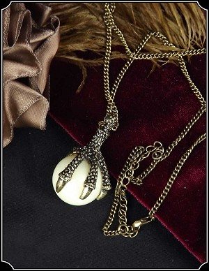 Dragons Claw Necklace