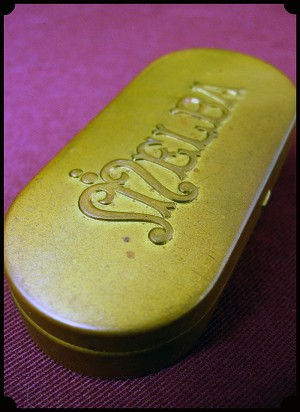 Jewelry - Vintage Melba 1900s Ladies Compact or Pill Box